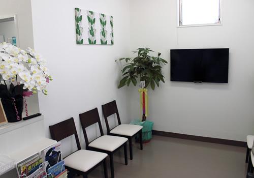 なもり薬局待合室